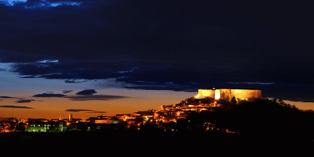 Castello di Lagopesole al crepuscolo